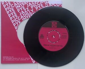 """THE KINKS 'Tired of Waiting' 'Come On Now' 4-PRONG CENTRE 7"""" Single PYE 7N 15759"""