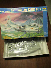 ANTONOV AN-12BK CUB KIT MONTAGGIO TRUMPETER SCALA 1:100