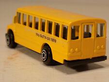 Ford F700 Yellow School Bus Maisto #11001  Die Cast Metal