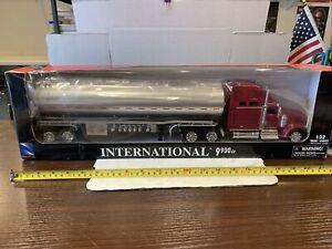 New Ray Diecast 1/32 International 9900IX Semi Tractor Trailer New Tanker