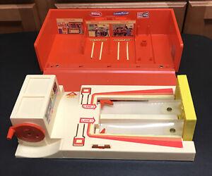 Vintage 1981 Mattel Hot Wheels Inside Track Playset Carry Case Working