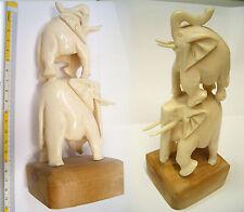 Statuetta con elefanti in osso, artigianato orientale, scultura provenienza Asia