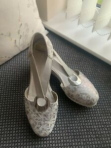 REMONTE SILVER FLORAL WEDGED SHOES D5502 LEATHER UPPERS AND INSOLE SIZE 40 UK 7