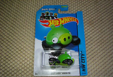 HW HOT WHEELS 2014 HW CITY #81/250 ANGRY BIRDS MINION PIG HOTWHEELS GREEN