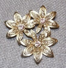 VINTAGE GORGEOUS GOLD TONE CRYSTAL THREE FLOWER PIN BROOCH