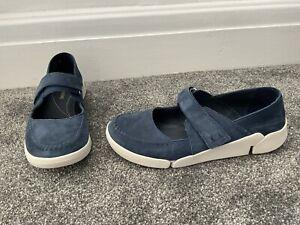 Ladies Clarks Originals Trigenic Blue Suede Strappy Flat Shoes Size UK 9 D