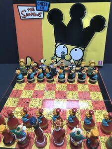 The Simpsons Chess Set Vinyl Coloured Character Pieces 2005