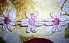 """7yd Vintage Venise lace White/lt pink 8 petal 1"""" Daisy Trim D43"""