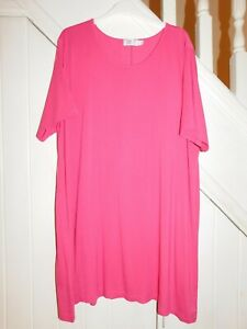 Box2 - PLUS SIZE, SIZE 26/28- SHORT SLEEVE TUNIC STYLE HOT PINK TOP