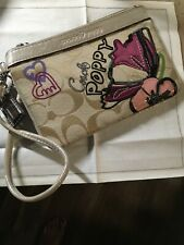 New NWT Coach Poppy Petal Applique Signature Wristlet Wallet Khaki Pink 44947