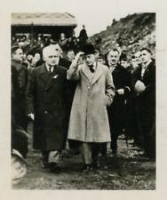 Le Roi George en visite au Pays de Galles. Vintage silver print Tirage argenti