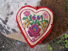 Ancien EX-Voto - coeur brodé Mariage dévotion en feutrine