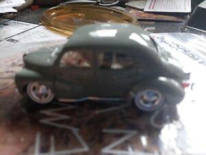 Renault 4cv 1/43