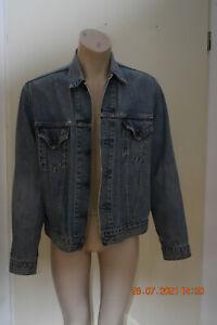 Levis Jeansjacke, hell blau, Gr. XL, gebraucht, 2 Brusttaschen, Innentaschen