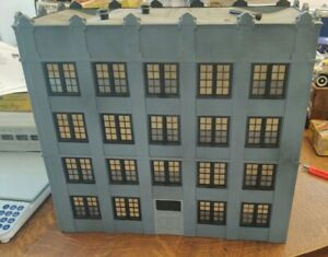 O Scale Train building, Four Story Assembled, detailed, and in Used condition