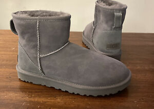 UGG CLASSIC MINI II GREY WOMAN'S BOOTS 1016222 SIZE 8, AUTHENTIC BRAND NEW