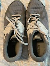 New listing Mens Nike Fitsole Gray Tennis Shoes Sneakers Size 10.5