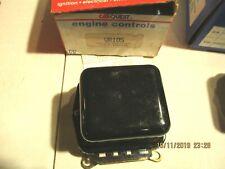 GM-IHC-1963-74-NEW-HEAVY DUTY - Voltage Regulator -CARQUEST- VR105 -D635