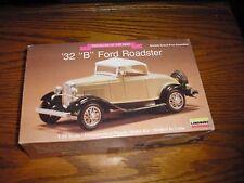 """Vintage 1/32 Lindberg 1932 '32 Ford """" B """" Roadster 4 parts restore slot car body"""