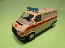 VW VOLKSWAGEN T4 TRANSPORTER - AMBULANCE KRANKENWAGEN - 1:43? CREAM - GOOD COND