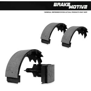 New Set Of Rear Semi-Metallic Brake Shoes For 04 - 11 Chevy Aveo 13 - 15 Spark