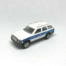 "MAJORETTE Mercedes 300 TE blanc ""Service"" n°250 Ech. 1/63"