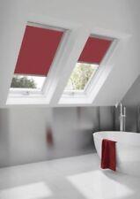 Tende rossa in tessuto oscurante per la casa