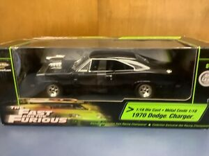 Fast And Furious Dom's Dodge Charger blower 1/18 1st issue racing champions