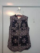 H&M navy and white short sleeved top in size 12