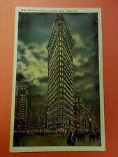 New York, NYC~Flat Iron Building At Night 1915-30 unus Postcard