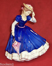 Hn3375 - Royal Doulton Figurine - Mary - 1992 Figure of the Year