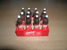 Kasten mit 12 Coca Cola Flaschen / Crake Coke Bottles Dollhouse Puppenstube 1:12