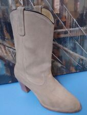 Women's Sz 9 M Beige Suede Boots