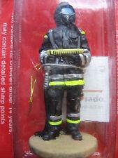 FIGURINE DEL PRADO POMPIER TENUE DE FEU BERLIN ALLEMAGNE 2003 BOMBERO