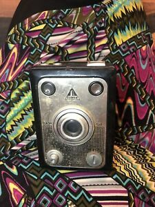 VINTAGE GERMAN 'TOWER 120 CAMERA WITHOUT BACK BOX