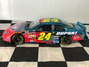 ELITE COLOR CHROME 1:24 Jeff Gordon #24 DuPont 2003 Chevrolet #359 of 804