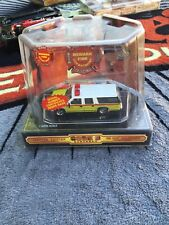 Code 3 Collectibles NEWARK FIRE SUBURBAN 1/64 Scale NEW NIB