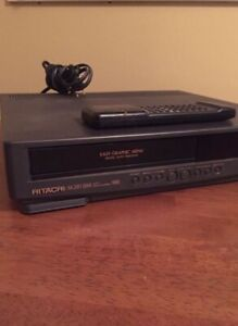 Hitachi VT-M281A VCR 4 Head VHS VIDEO DECK PLAYER W/ Remote