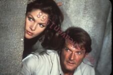 ROGER MOORE LOIS CHILIES VINTAGE 35mm SLIDE TRANSPARENCY 8508 PHOTO