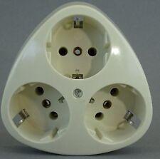 Mehrfach Steckdose 3-fach eckig für eine Schalterdose 60Ø UP creme-weiß