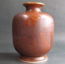 RUSTIKAL Keramik Vase im Landhaus Stil erdbraune Glasur signiert R. Mottiz