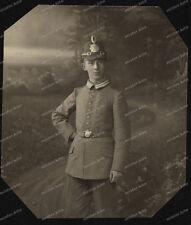 Foto-Studio-Portrait-Polizist-Polizei-Hessen-1.Weltkrieg-Tschako-Uniform-