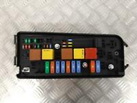 Vauxhall Vectra C Signum Under Bonnet Fuse Box UEC 13190892 FB