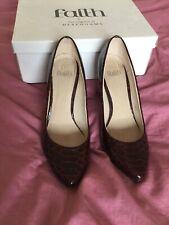 Señoras Fe Borgoña Rojo Imitación Cocodrilo Zapatos Talla 5 38
