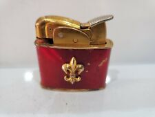 WORKING 1940'S EVANS RED ENAMEL FLEUR DE LIS EMBLEM GOLD TONE LIGHTER  1474.34