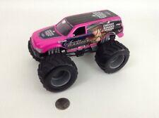 Hot Wheels Monster Jam 1:24 Diecast Toy Monster Truck Scarlet Bandit Mattel 2004