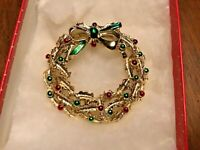Vintage Gold Tone Enamel Red Green Holiday Christmas Wreath Pin Brooch Broach