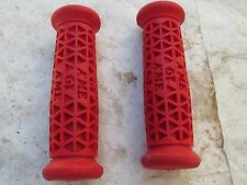 GT HANDLEBAR GRIPS RED BMX PERFORMER WORLD TOUR PRO SHOW FREESTYLE CRUISER NOS