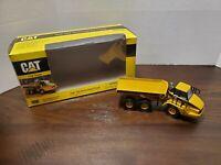 Norscot Caterpillar Cat 725  Articulated Truck Diecast #55073 1:50 scale