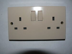 13a  amp switched Double Socket Beige Home/Office Camper Caravan Motorhome Boat
